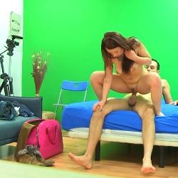 ¡Follate a tu fan!: Joana quitará los nervios a un joven aspirante que vive un verdadero sueño.