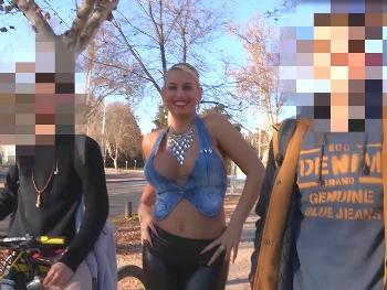 ¡Cazatolas!: buscando universitarios madrileños para liberarles de tanto estrés.